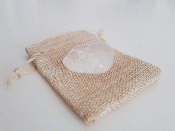 bergkristal trommelsteen - knuffelsteen