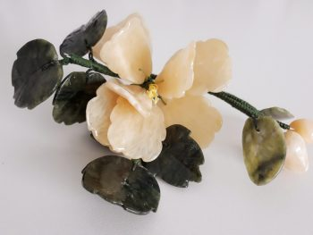Jade edelsteen bloem geel