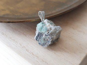 Hanger smaragd ruw - zilver