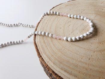 Halsketting rozenkwarts - howliet - zilver