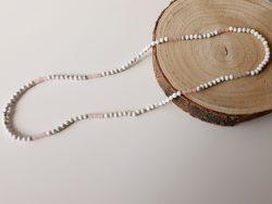 Lange halsketting - rozenkwarts - howliet - zilver